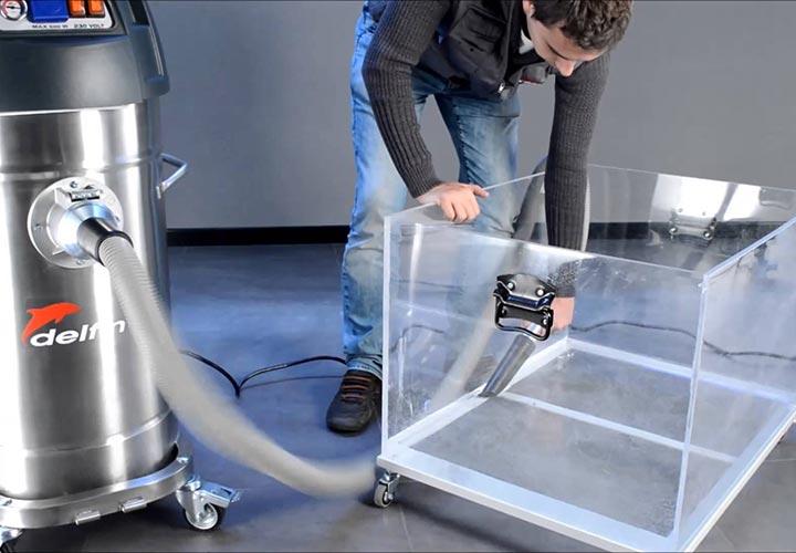 کنترل میزان گرد و غبار از فعالیتهای ایمنی و بهداشت محیط کار به حساب میآید