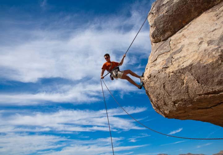 افراد با اعتماد به نفس از خطر کردن نمیترسند.