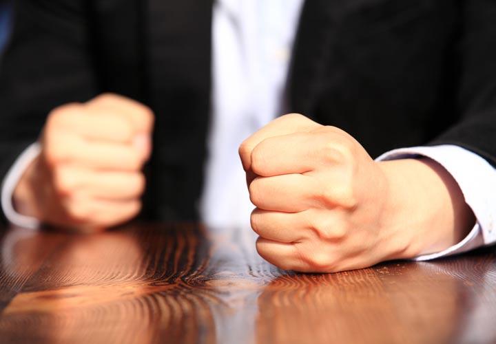 کنترل خشم - تلاش کنید قبل از بروز هر واکنشی خشم خود را کنترل کنید