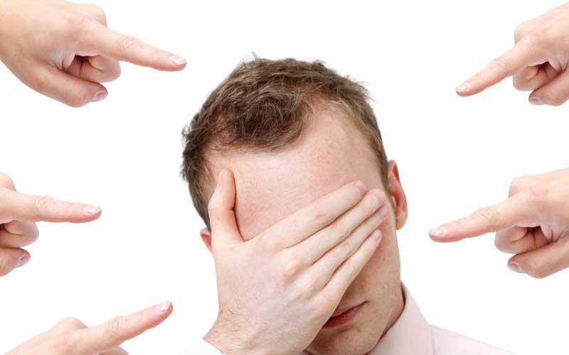 جملات مثبت - رای رسیدن به موفقیت به افکار دیگران توجه نکنید