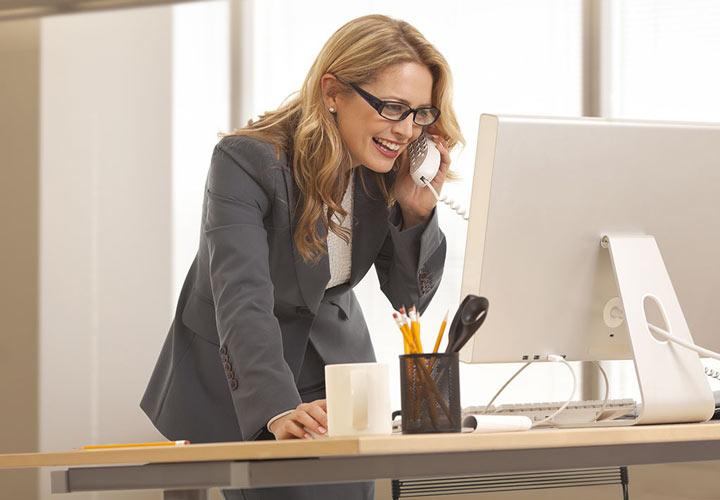 تکنیکهای برتر در فروش تلفنی  - ایستادن هنگام صحبت تلفنی