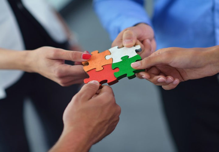 عوامل موثر بر بهرهوری نیروی انسانی - برقراری ارتباط با کارمندان