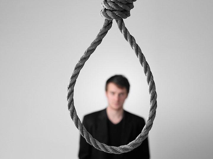 فرد افسرده در وضعیت بحرانی به خودکشی هم فکر می کند