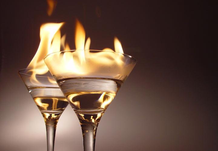 کنترل فشار خون بالا - مصرف نوشیدنیهای الکلی باعث افزایش فشار خون میشود