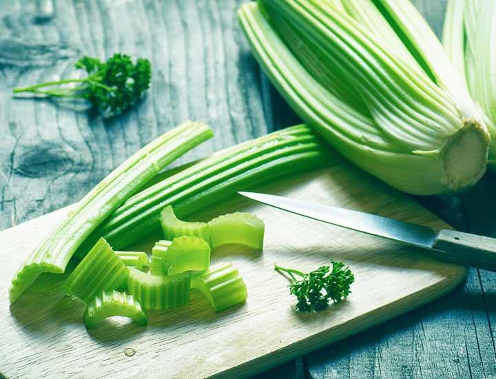 کرفس - خوراکی های چربی سوز شکم