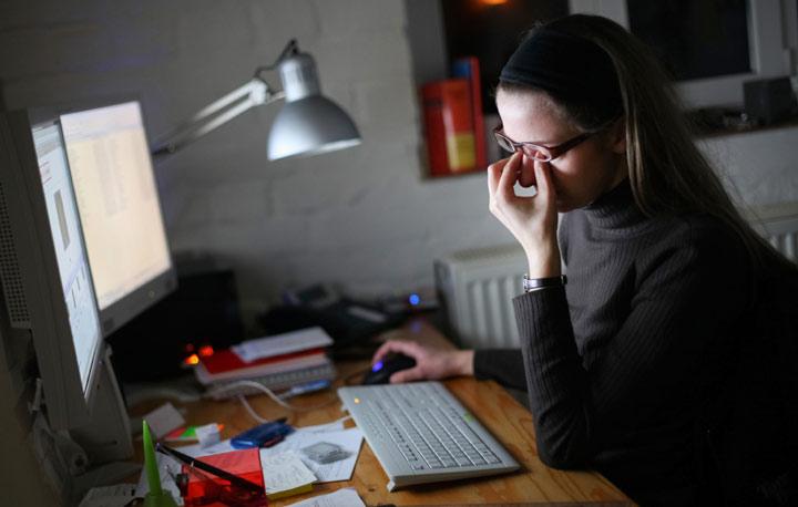 طرز کار با رایانه بر مراقبت از چشم تأثیرگذار است.