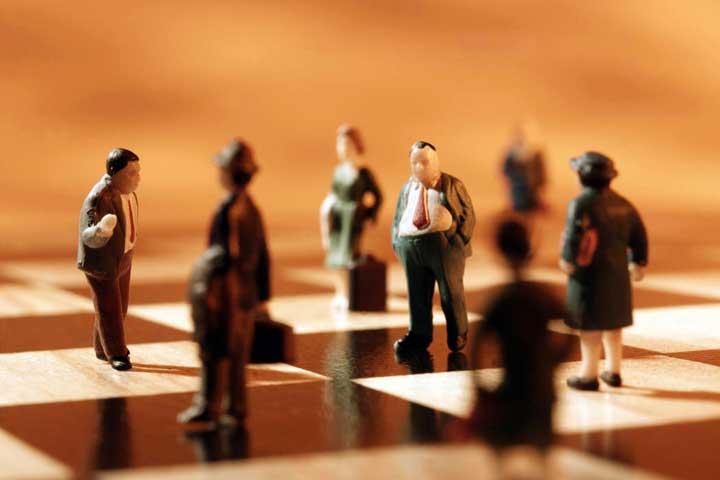 نقش محیطها و استراتژیها در مدیریت فروش