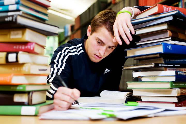 برای غلبه بر استرس امتحان جای مطالعهتان را تغییر دهید
