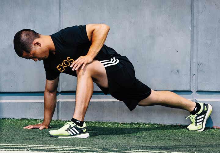 راز سلامتی - تمرینات کششی عضلات بدن را تقویت میکند.