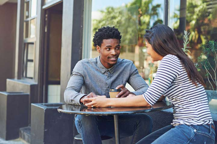 راههای جلب اعتماد همسر - برای جلب اعتماد همسرتان، باید خودتان هم به وی اعتماد داشته باشید.