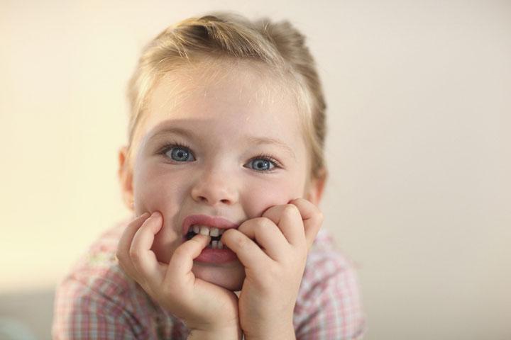 برای ترک عادت جویدن ناخن در کودکان بايد پشتکار داشته باشید