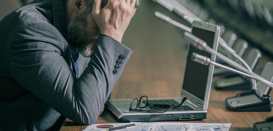 استرس شغلی چیست و چگونه میتوان با آن مقابله کرد؟