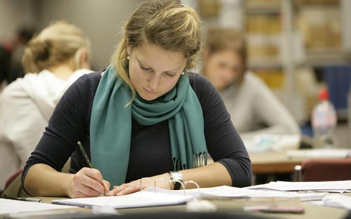دست از کارهای متفرقه برداشته و شروع به درس خواندن کنید - تقویت اراده برای درس خواندن