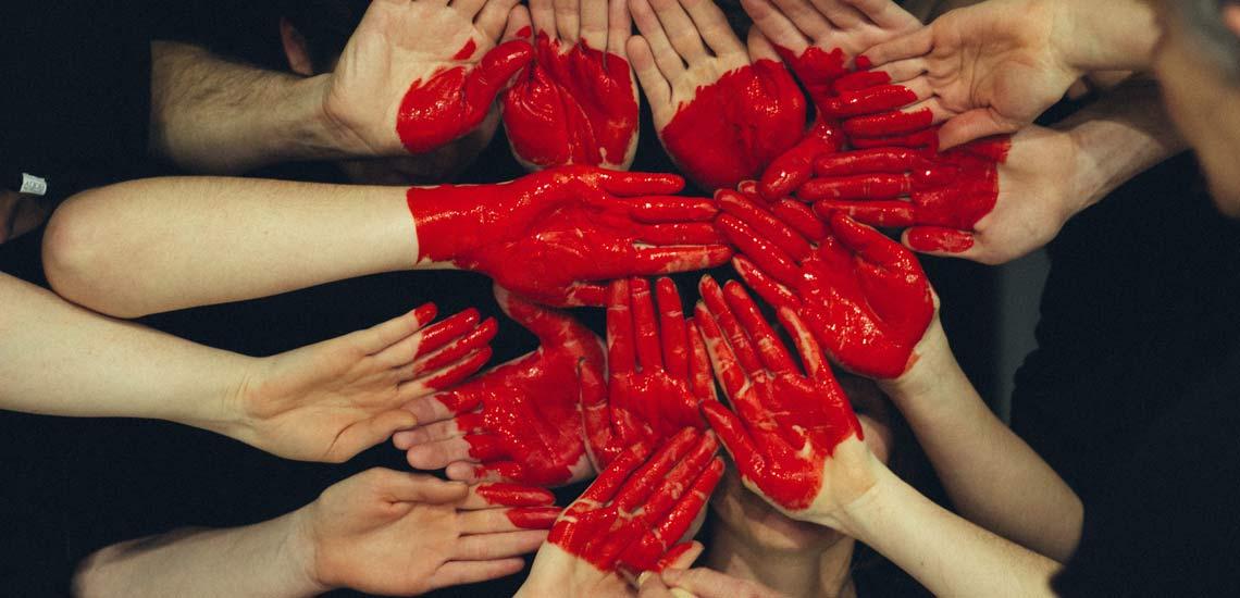 چگونه محبوب باشیم؛ ۲۱ توصیه برای جا باز کردن در دل دیگران