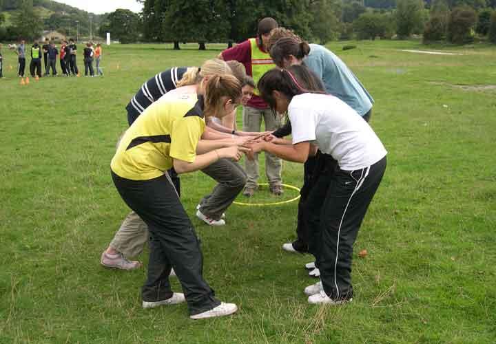 درمان کم حرفی با مشارکت در کارهای گروهی