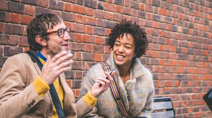درمان کم حرفی و تبدیل شدن به فردی خوش صحبت