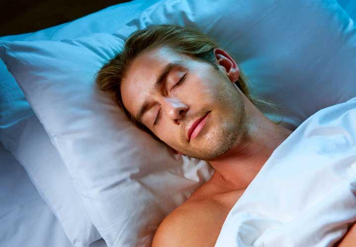 دانستنی های بدنسازی - خواب کافی برای بدنساز ضروری است.