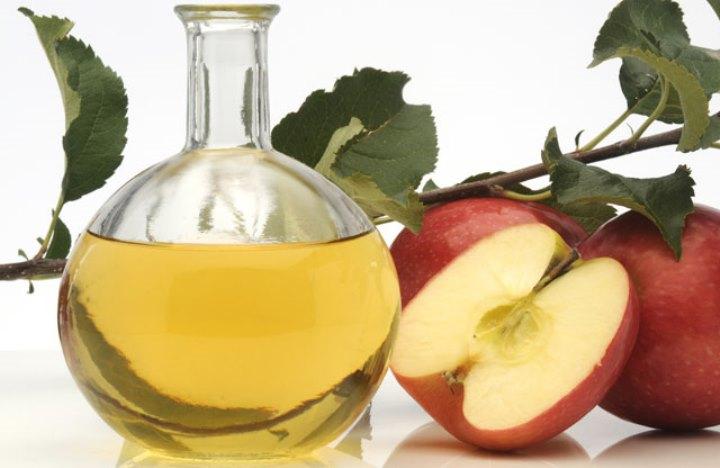تاثیر سرکه سیب در درمان آکنه