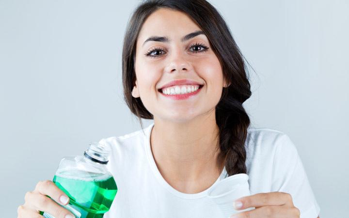 راه حل های خانگی برای بوی بد دهان