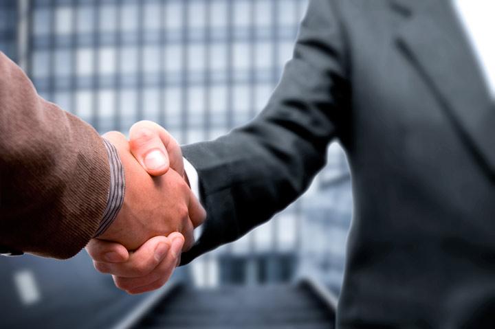 فروشنده حرفه ای همیشه به تعهدتان خود پایبند است.