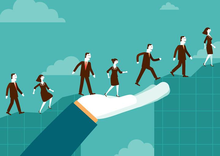 [عکس: helping-others-to-become-leader.jpg]