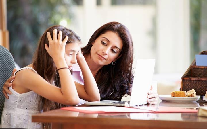به فرزندتان قوت قلب بدهید ـ چگونه کودکی خلاق داشته باشیم