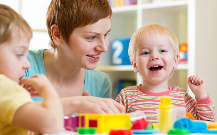 در هر حالتی کودک را تشویق کنید - چگونه کودکی خلاق داشته باشیم