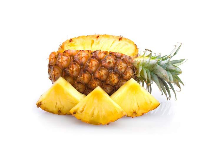 درمان خانگی کهیر - قرار دادن آناناس بر روی کهیر در درمان آن موثر است.