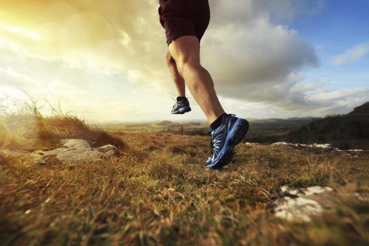 افراد مثبت اندیش برای دور کردن افکار منفی، منظم ورزش می کنند.