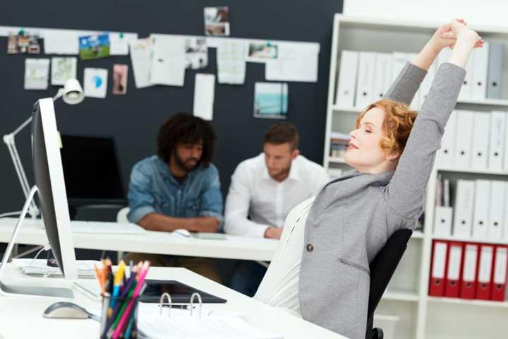 استرس شغلی چیست و استراتژیهایی برای مقابله با آن