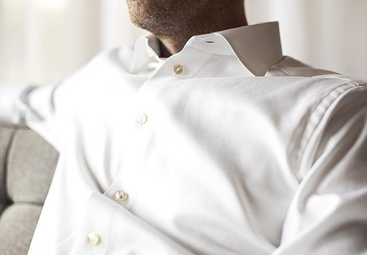 طرز لباس پوشیدن افراد لاغر - رنگهای روشن مانند سفید شما را چاقتر نشان می دهند.