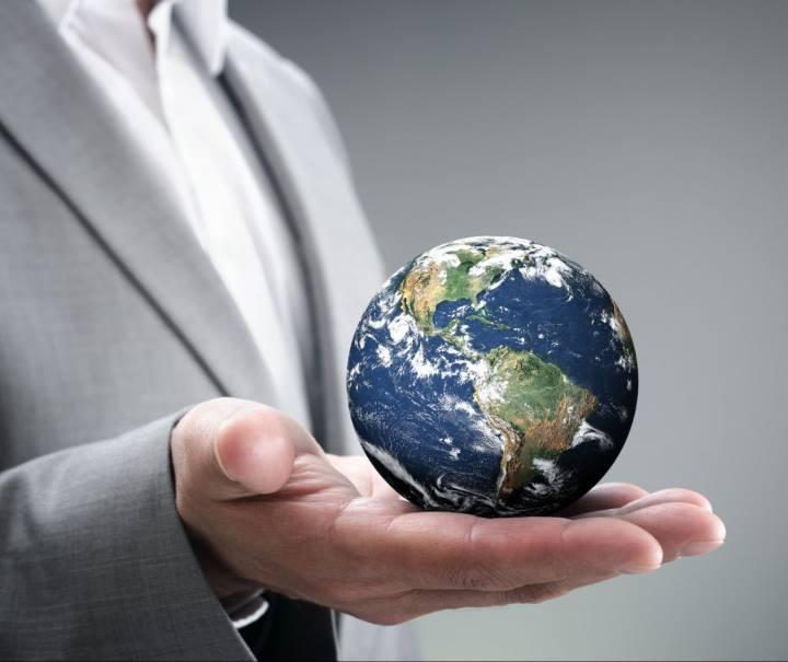 مردی که کره زمین را در دست گرفته - چرا مهاجرها کارآفرین ترند