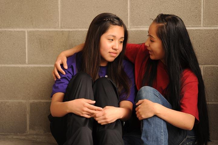 [عکس: being-beside-friendds-in-crisis.jpg]