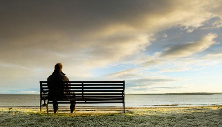 وقتی دوستتان به تنهایی نیاز دارد، به وی فضا دهید - چگونه یک دوست خوب باشیم