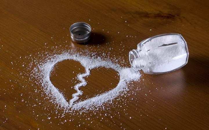 مضرات نمک برای قلب