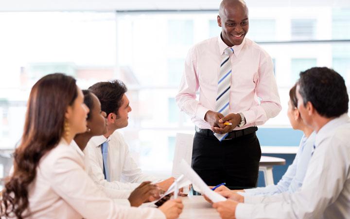نحوه برخورد در محیط کار - با همه با احترام رفتار کنید