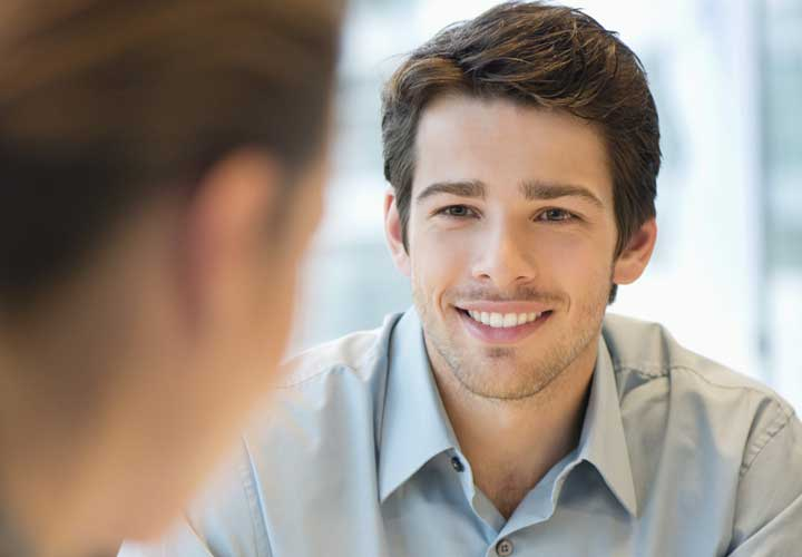 لبخند - زبان بدن در کسب و کار