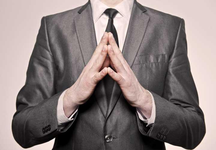 زبان بدن در کسب و کار - دست ها را به شکل ۸ درآورید ۷۸