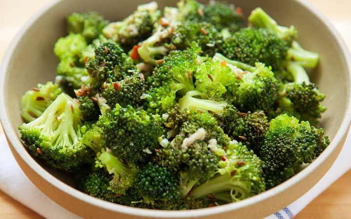 12 خوراکی که خواب شما را مختل میکند - کلم بروکلی