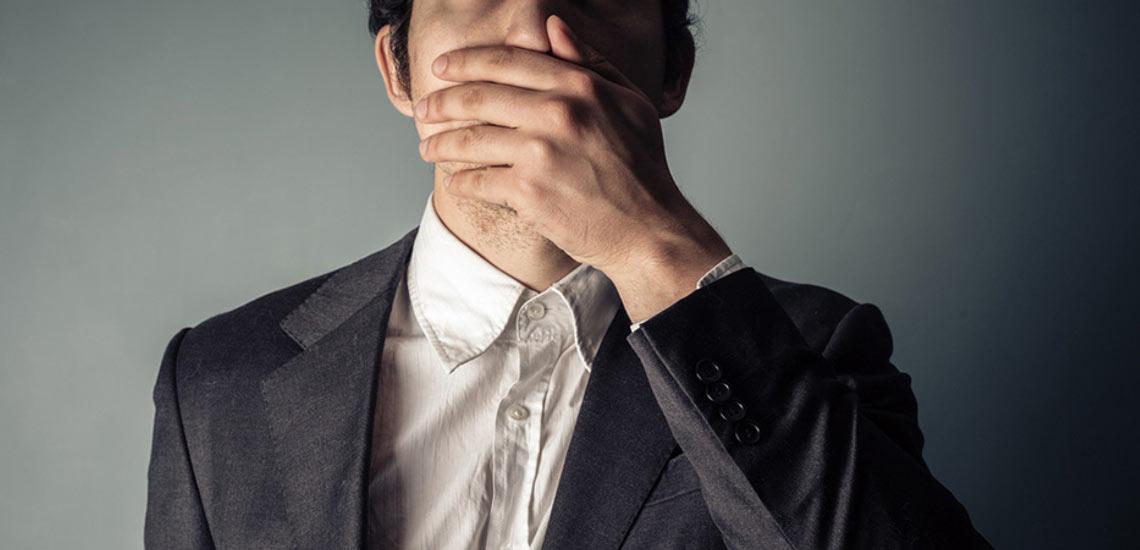 ۳ اشتباه رایج در صحبت کردن که شما را بدون اعتمادبهنفس نشان میدهد