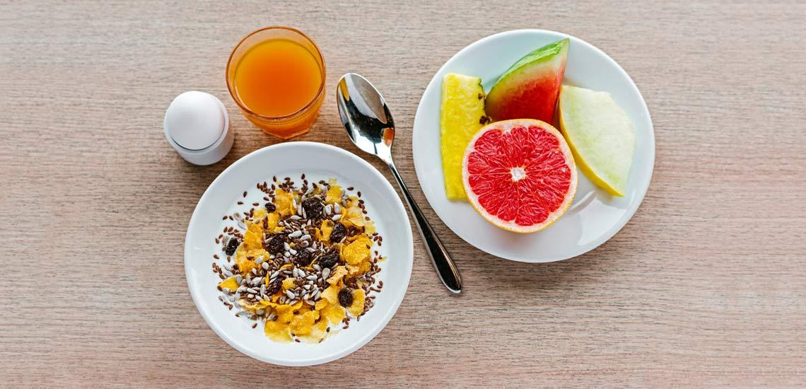 آشنایی با فواید صبحانه برای سلامتی و کنترل وزن