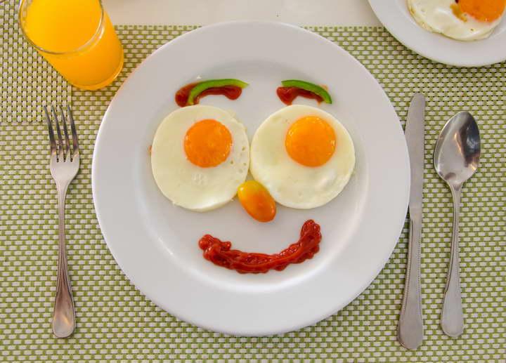 قبل از ورزش برای چربی سوزی صبحانه کامل میل کنید