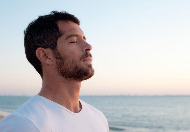 خود مراقبتی در درمان التهاب روده - کاهش استرس با تنفس عمیق