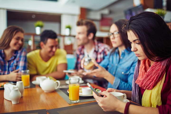 برای بهبود زندگی تلفن همراهتان را از خود دور کنید