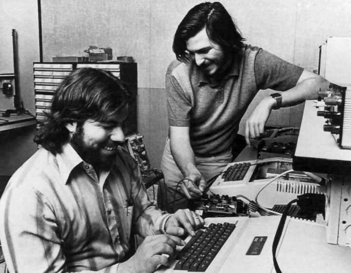 شرکت اپل - زندگینامه استیو جابز