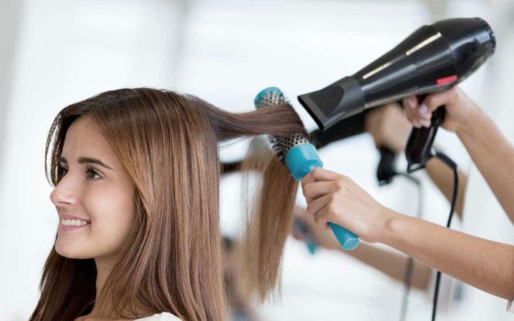 علت ریزش مو - مدل دادن