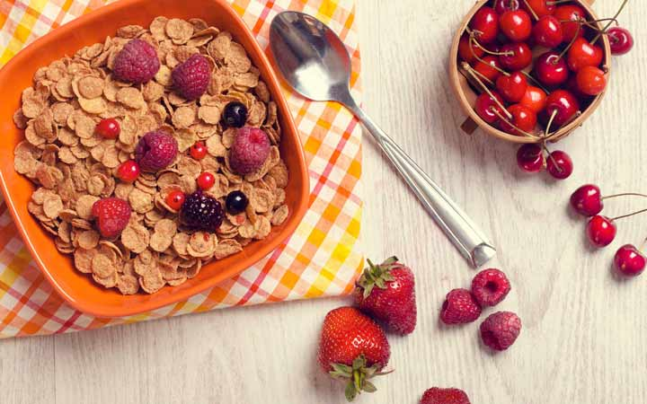 یک صبحانه سالم باید همه گروه های مواد غذایی را داشته باشد - فواید صبحانه
