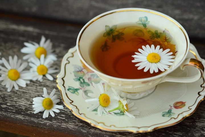 برای درمان استرس چای بابونه بنوشید