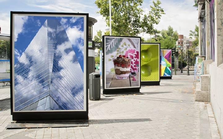 نمایشگرهای دیجیتالی از انواع تبلیغات محیطی هستند که در تمامی ساعات شبانه روز دیده میشوند