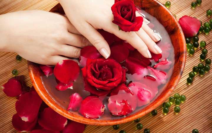 عصاره گل رز - درمان سیاهی دور چشم